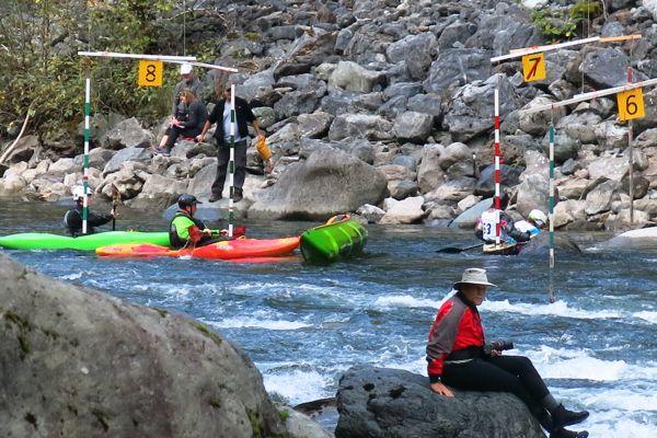 tamihi-t50-kayak-rescues-canoe-0